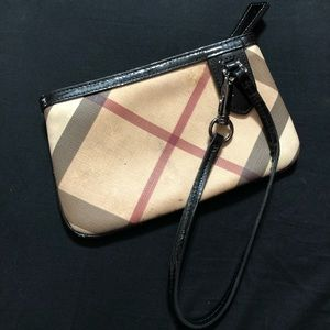 Burberry Bags - 🍂FLASH SALE🍂 Burberry Nova Large Tote + Wristlet 9e9cc3df4f613